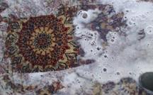 alfombra persa nain en el baño de shampoo